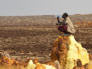An Afar guard watching over the Dallol sulphur plains